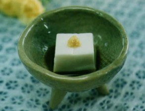 ジーマーミ豆腐 (ピーナッツのくず寄せ)の写真