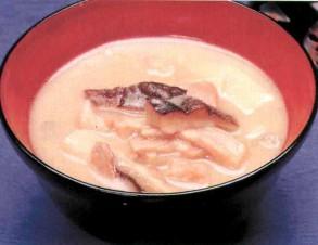 イナムドゥチ (猪もどきの汁物)の写真