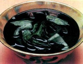 いかすみ汁 (いかの墨の汁物)の写真