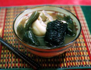 イラブーのお汁 (えらぶ海へびの汁物)の写真